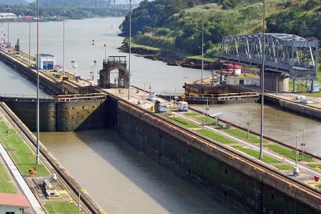 panama canal construction problems There were many problems that the us had faced for the construction of the panama canal you can relate every problem that occured to one of the three main issues, engineering, sanitation, and organization.